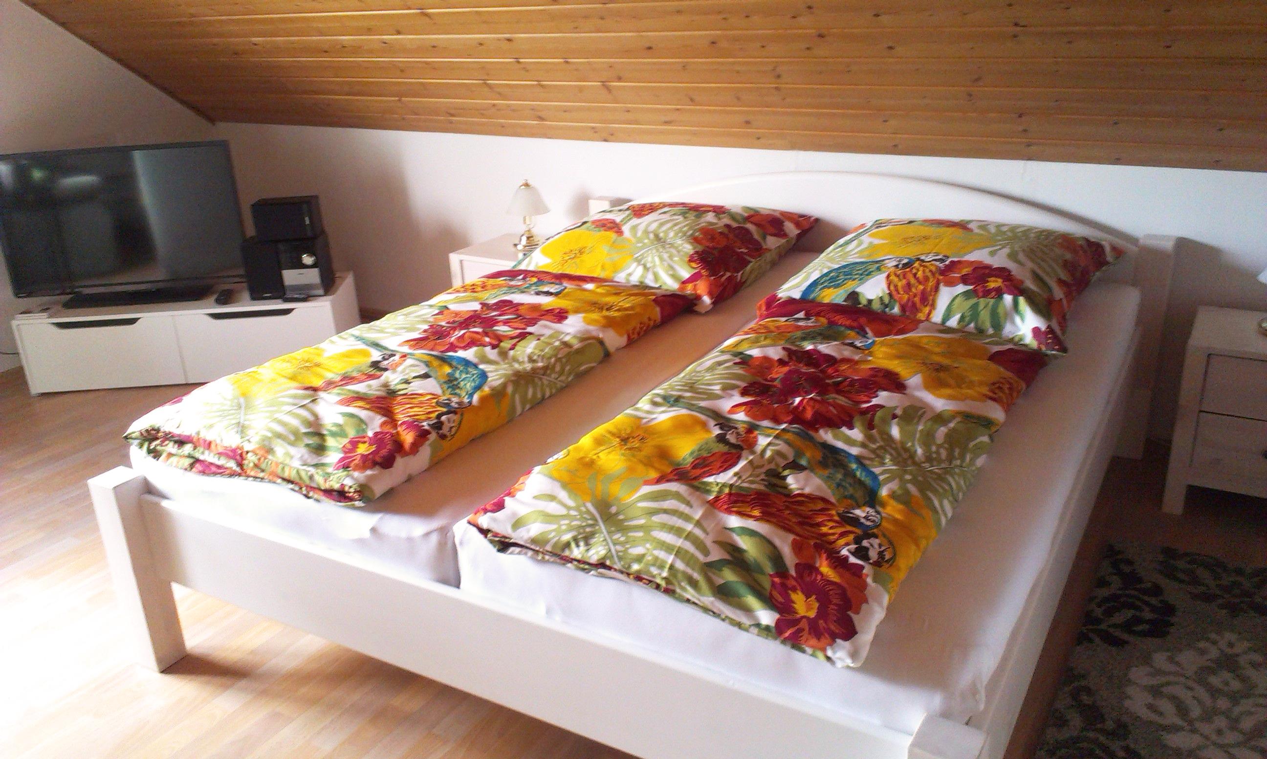 OG: Doppelbett